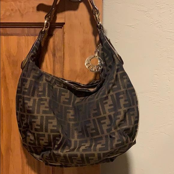 Fendi Handbags - Fendi purse